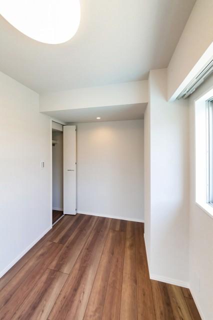 ファミール築地703 洋室