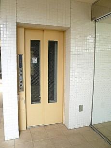 ホームズ緑が丘 エレベーター