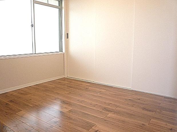 廊下左手 洋室
