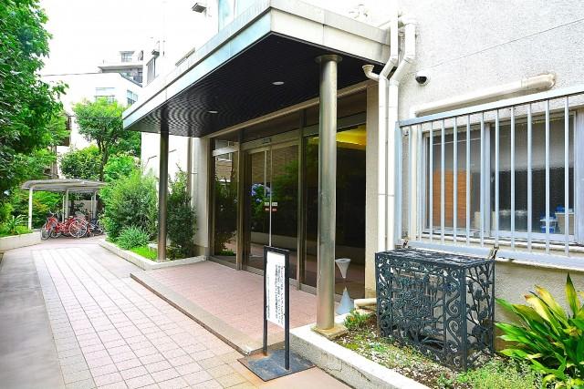 経堂スカイマンション エントランス