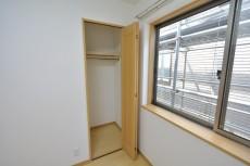 セボン世田谷桜 3階洋室4.6収納