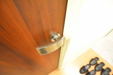 柿の木坂パレス 4.6帖のベッドルーム ドア