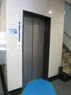 御苑フラワーマンション エレベーター