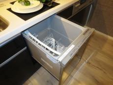 代官山マンション ビルトインタイプの食器洗浄機