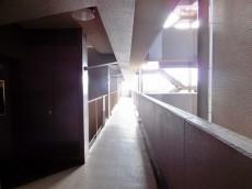 芦花公園パークホームズ 5F廊下