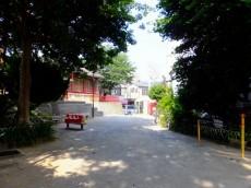 第一東個マンション 公園