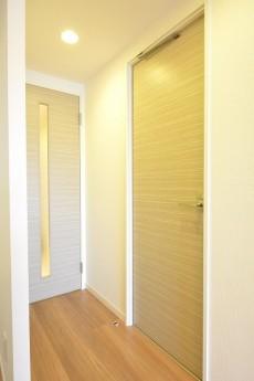 目黒サンケイハウス 洗面室とLDKの扉