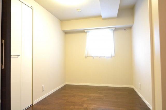 南平台セントラルハイツ 約4.5帖の洋室