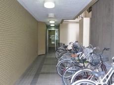 神田乗物町ビル 駐輪場
