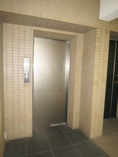 下落合南デュープレックス エレベーター