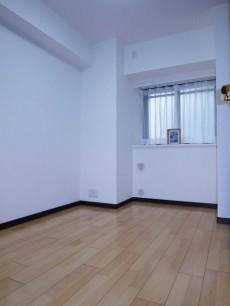 下落合南デュープレックス 約5帖の洋室