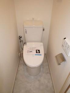 朝日落合マンション ウォシュレット付のトイレ