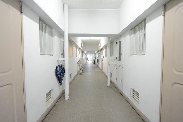麻布十番中央マンション 内廊下