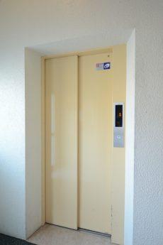 フアミール久堅 エレベーター