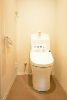成城エコーハイツ ウォシュレット機能付きトイレ803