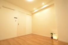 スカイプラザ赤坂 約6.0帖の洋室