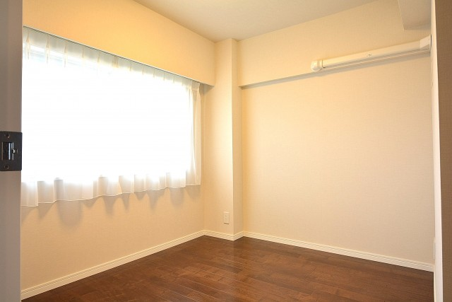 成城エコーハイツ 約4.5帖の洋室803