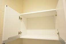 スカイプラザ赤坂 トイレの収納棚