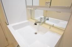 スカイプラザ赤坂 スクエア型の洗面ボウル