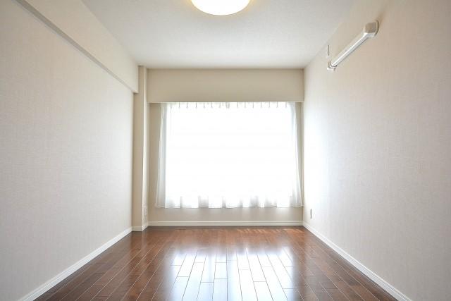 成城エコーハイツ 約6.3帖の洋室803