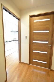 ヴァンヴェール南平台 LD+Kのドア