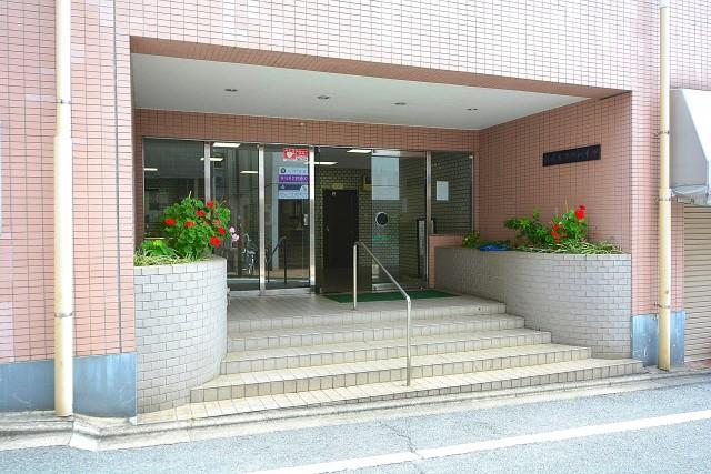 成城エコーハイツ エントランス