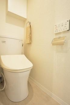 メゾンベール成城 ウォシュレット機能付きトイレ