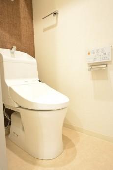 ボーン赤坂 ウォシュレット付きトイレ