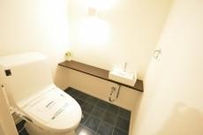 ヴァンヴェール南平台 トイレ501