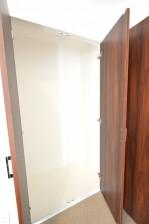 ヴァンヴェール南平台 8.17帖ベッドルームの収納スペース501