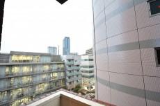ヴァンヴェール南平台 8.17帖のベッドルーム バルコニー眺望