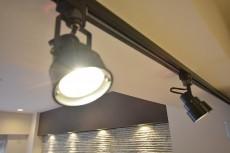 ボーン赤坂 キッチン上の照明