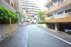 ボーン赤坂 前面道路