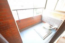 南青山セピアコート 6.4帖ベッドルームのバルコニー