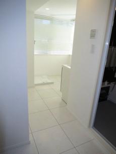 藤和護国寺コープ 洗面室~サンルームの入り口307