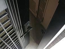 オーベル三軒茶屋 門扉付きポーチ