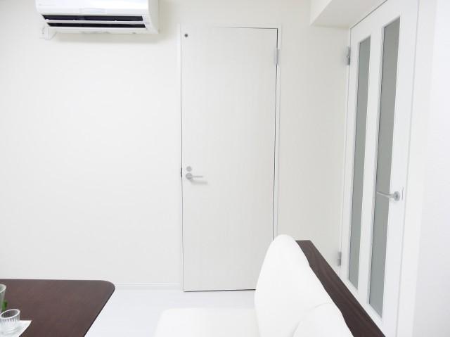 近鉄ハイツ魚籃坂 洗面室扉