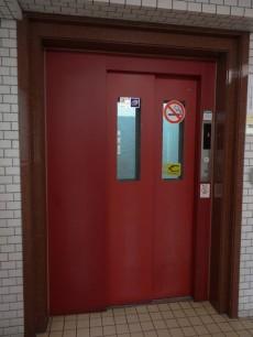 サンマリーナ新子安 エレベーター