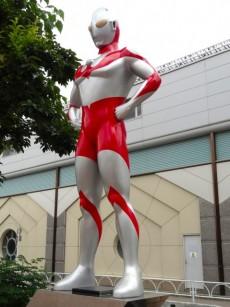 砧フラワーマンション ウルトラマン像