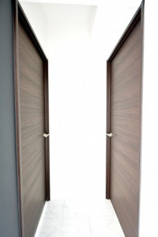 神宮前コーポラス ベッドルーム2部屋のドア