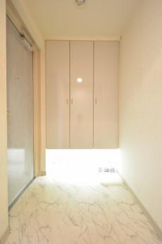 アールヴェール新宿弁天町 玄関ホール402