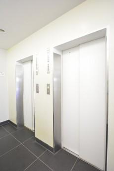 神宮前コーポラス エレベーターホール