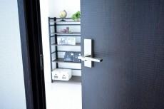 南平台セントラルハイツ 4.2帖洋室ドア