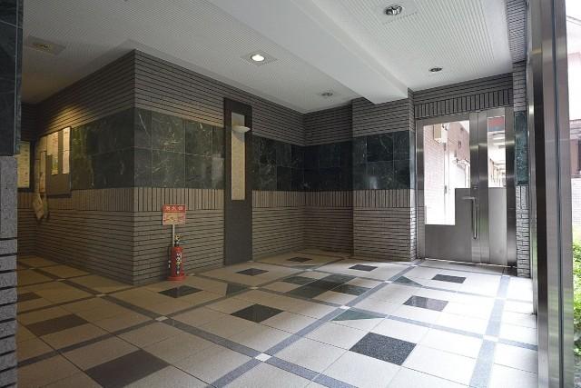 ライオンズヴィアーレ幡ヶ谷 エントランスホール