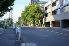 アールヴェール新宿弁天町 前面道路