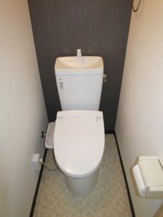 目白武蔵野マンション ウォシュレット付のトイレ