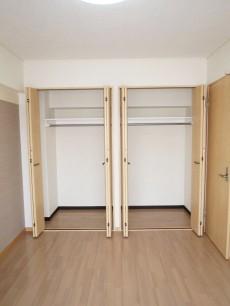 目白武蔵野マンション 約6帖の洋室 クローゼット