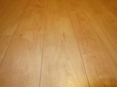 フローリングは特殊加工化粧床材