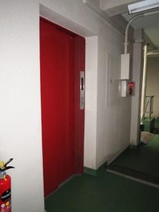 新宿パークサイド永谷 エレベーター