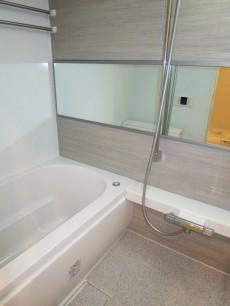新宿パークサイド永谷 ゆったりサイズのバスルーム